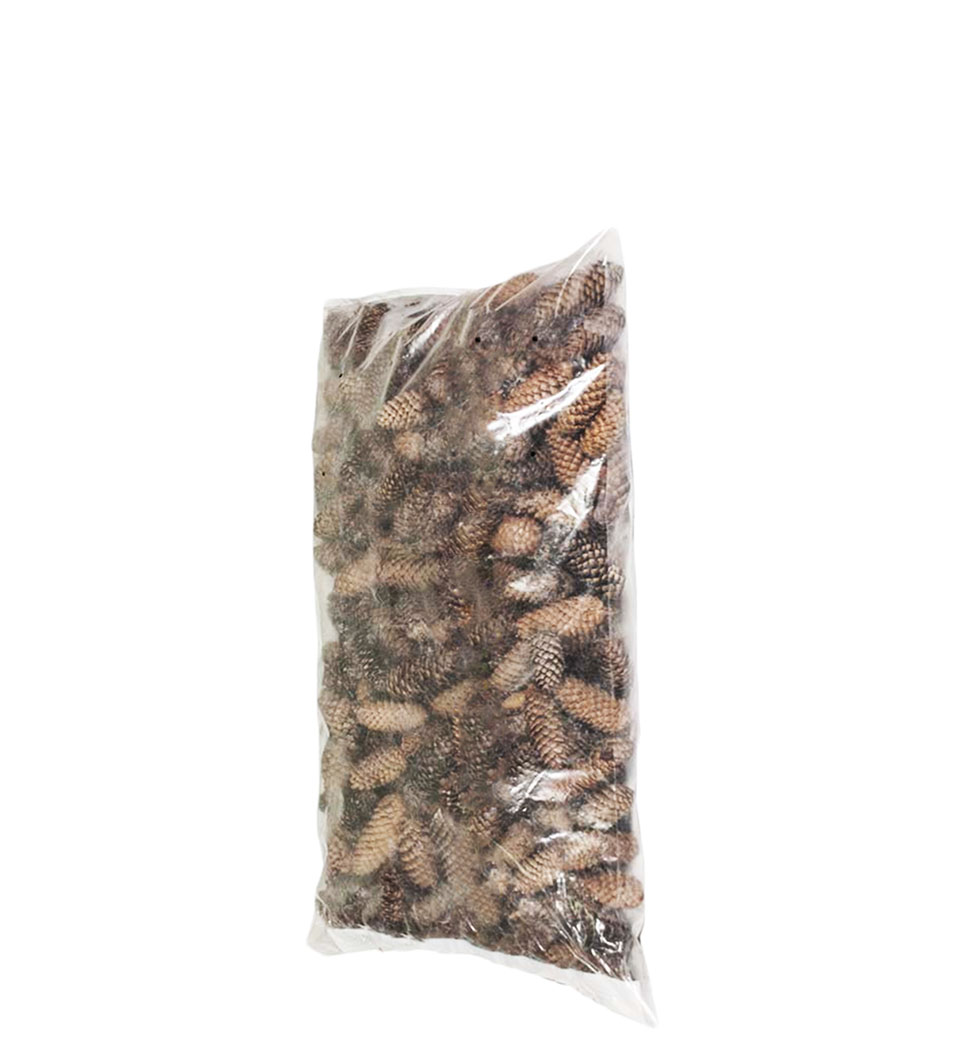 Шишки еловые в мешках 20 литров